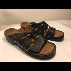 Clarks leather slides sandals
